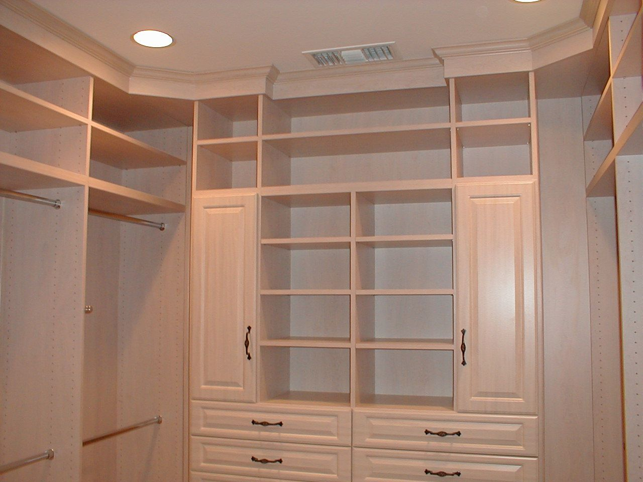 You Can Get A Little Creative With Your Closet Design Few Simple Ideas